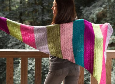 Bright Gifts Crochet Wrap [FREE Crochet Pattern] | thecrochetfox.com