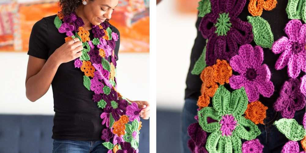Flower Garden Crochet Scarf [FREE Crochet Pattern]   thecrochetfox.com