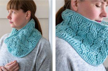 Furnicular Crochet Cowl [FREE Crochet Pattern] | thecrochetfox.com