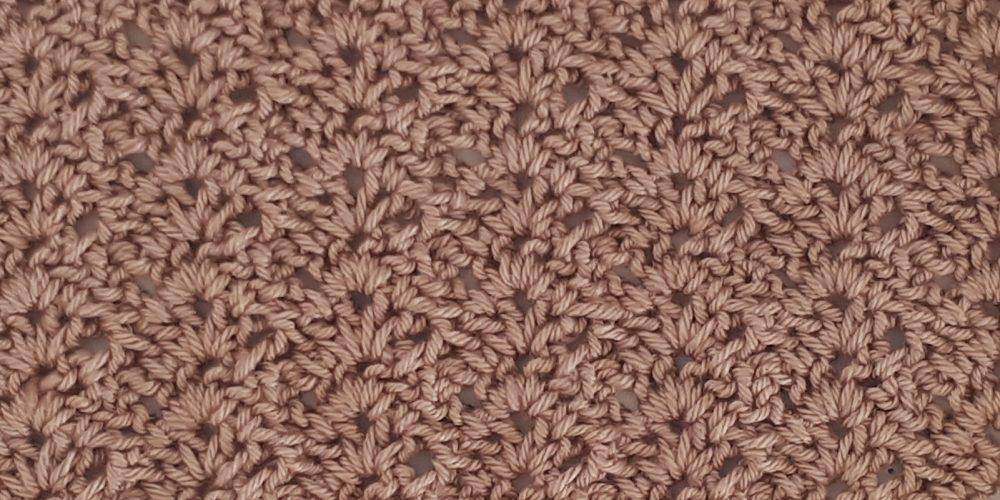 Open Scallops Stitch [FREE Crochet Stitch Pattern] | thecrochetfox.com