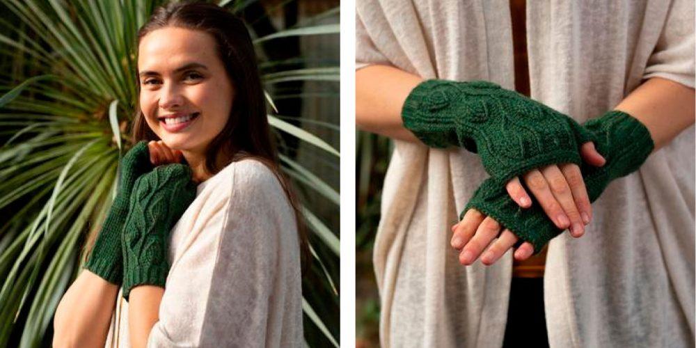 Crocheted Traveling Vines Mitts [FREE Crochet Pattern] | thecrochetfox.com